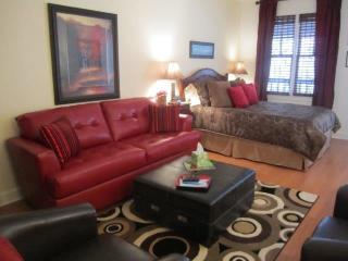 Bella Paradiso Condo 11 - Queen Studio with Kitchenette - Walk to downtown - Eureka Springs vacation rentals