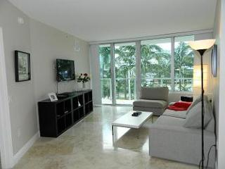 BEACHWALK 3-MIAMI BEACH 2/2  Walk to Beach / Water views / Balcony / Rooftop Pool / Secured Parking - Miami Beach vacation rentals