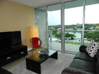 BEACHWALK 5 - MIAMI BEACH 2/2  Walk to Beach / Water views / Balcony / Rooftop Pool / Secured Parkin - Miami Beach vacation rentals