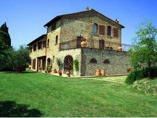 Large Tuscany Villa in the Chianti Region - Villa San Paolo - Castelfiorentino vacation rentals
