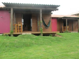 Toca da Coruja Chalés - Praia do Rosa - SC - Praia Rosa vacation rentals