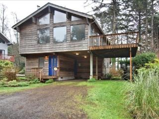 Nomads End is an ocean View Pet Friendly Tolovana park home 3 bedroom 2 bath sleeps 8 - 38854 - Cannon Beach vacation rentals