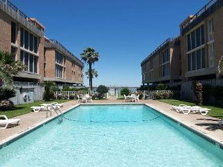 1 bedroom 1 bath condo in the heart of Port Aransas! Ship Channel view! - Port Aransas vacation rentals