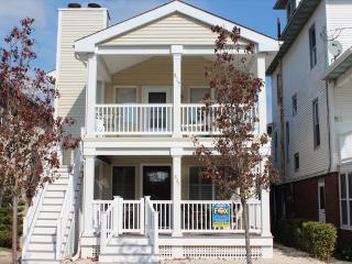 829 Brighton 2nd Floor 122811 - Ocean City vacation rentals