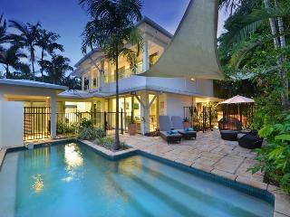 Reef Villa Port Douglas - Port Douglas vacation rentals