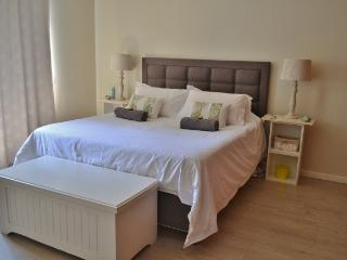 Luxury, 2 bedroom, fully furnished apartment - Cape Town vacation rentals