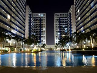 Sm mall of Asia Condo with balcony ALL INCLUSIVE, - Makati vacation rentals