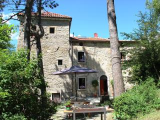 La Casa-torre, 4-6 guests, 2 bedrooms - Casola Valsenio vacation rentals