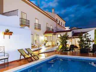Casa do Plátano Standard Rooms - Arraiolos vacation rentals