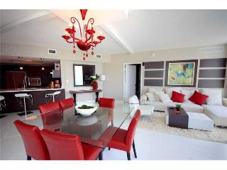 Waterfront Luxury 3 Bedroom In Sunny Isles -5 Star - Coconut Grove vacation rentals