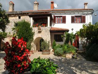 TH00436 House Peresiji / Three bedrooms A3 - Svetvincenat vacation rentals