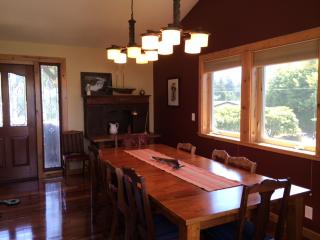 Netarts Quarters, near the bay with boat parking. - Oceanside vacation rentals