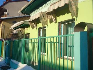 Artsy, chic, idillique 60sqm House, pretty central - Bucharest vacation rentals