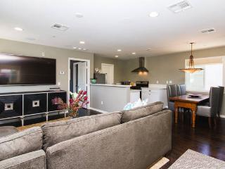 Beautiful, spacious and bright 1 BD home w/garage - Orange County vacation rentals