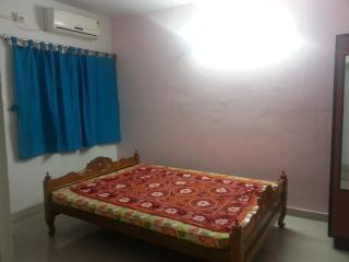 2 Room Flat in South Calcutta - West Bengal vacation rentals