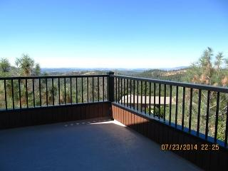 Luxurious Condo with wrap around deck over looking Stanislaus Canyon - Arnold vacation rentals