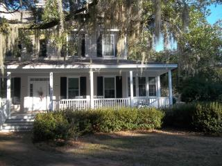 Spacious Southern Plantation Cottage 3 BR King Bed - Murrells Inlet vacation rentals