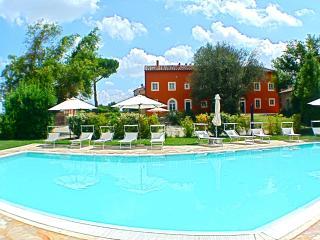 Borgo di Libbiano (Donatello) - Peccioli vacation rentals