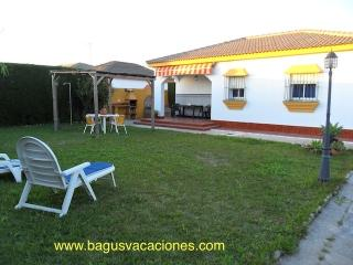 CHALET n2 , BEACH EL PALMAR, CADIZ , ANDALUCIA - El Palmar vacation rentals