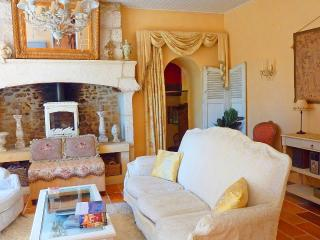 Charming Stone Farmhouse with Dordogne River View - Bezenac vacation rentals