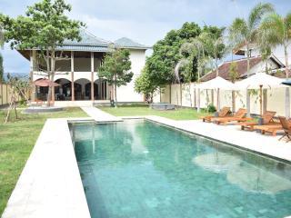 villa amari 2 - Batu Layar vacation rentals
