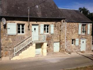 Atelier Anglais - Saint-Germain-de-Coulamer vacation rentals