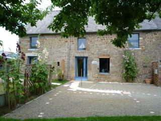 Location d'une Maison de Charme au calme à 5 minut - Roz-sur-Couesnon vacation rentals
