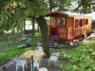 GYPSY CARAVAN ON ROAD NEAR Arras MEMORY 14-18 - Arras vacation rentals
