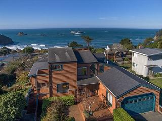 Fisherman's Escape~Sweeping Ocean Views From Every Room of This Beach Home! - North Coast vacation rentals