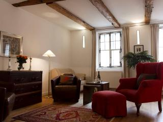 (1) First Class Studio Apartment in the heart of historic old-town Salzburg - Salzburg Land vacation rentals