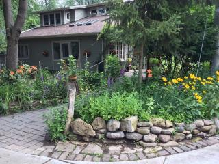 Toronto Island B&B 15 min by ferry from downtown - Toronto vacation rentals