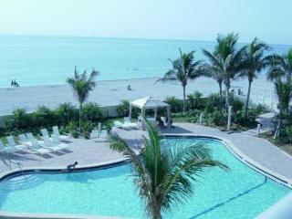 Beautiful oceanfront condo in Hollywood Beach, FL - Hollywood vacation rentals
