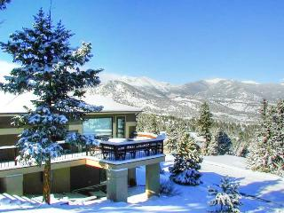 The Kinney at Windcliff: Panoramic RMNP Views, Borders Park, Hot Tub, Wildlife - Front Range Colorado vacation rentals