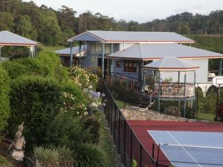 Jacaranda Creek Farmstay & B&B - Yandina vacation rentals