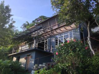 Overlooking Tagaytay Chalet - Laurel vacation rentals
