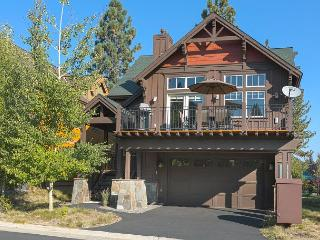 Coyote Run Beautiful Truckee Townhome - Available Labor Day Weekend! - Truckee vacation rentals