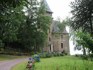 Chateau Le Mur - Carentoir vacation rentals