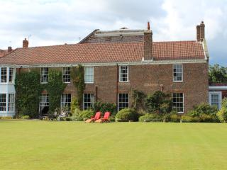 Stunning large beautiful 17th century house North - Hunmanby vacation rentals