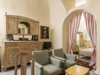 Timedrops Santorini Pirate Luxury Villa - Emporio vacation rentals