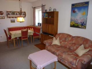 Vacation Apartment in Garmisch-Partenkirchen - 377 sqft, quiet, central (# 3811) - Garmisch-Partenkirchen vacation rentals