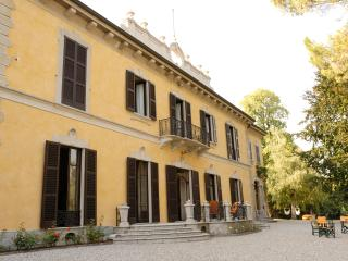 LUXURY XVIII CENTURY NOBLE VILLA - Lombardy vacation rentals