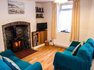 MARKET COTTAGE, king-size bed, woodburning stove, pet friendly cottage in Builth Wells, Ref: 14028 - Llanbister vacation rentals