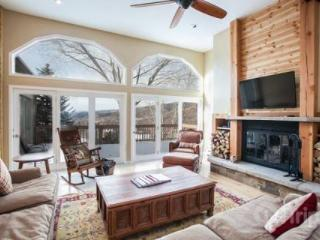 Ski Beaver Creek or Vail~ Bright! Open! Beautiful! Sunset Mountain Views~ Just Remodeled to ENJOY! - Minturn vacation rentals
