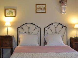 b&b Muscade - Saint-Barthelemy-d'Anjou vacation rentals