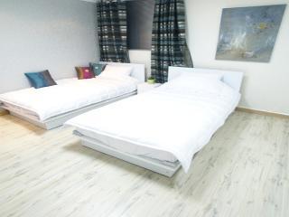 ♡Hongdae※ COZY+CLEAN+CHEAP - Seoul vacation rentals