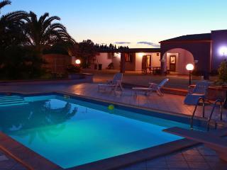 Villa con piscina a Tiggiano da affittilarosa.it - Tiggiano vacation rentals