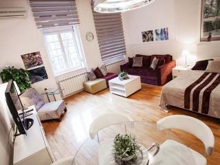 CENTRAL Studio GLAM & CHIC - perfect for couples! - Belgrade vacation rentals