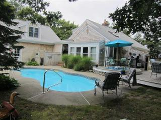 Oliver's Cottage - West Yarmouth vacation rentals