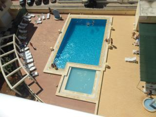 T1 BEACH AND POOL SLEEPS 4 PERSONS TULIPA 6A - Armação de Pêra vacation rentals