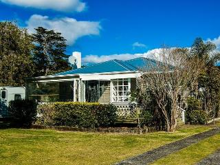 Nellies Beach Cottage - Matapouri vacation rentals